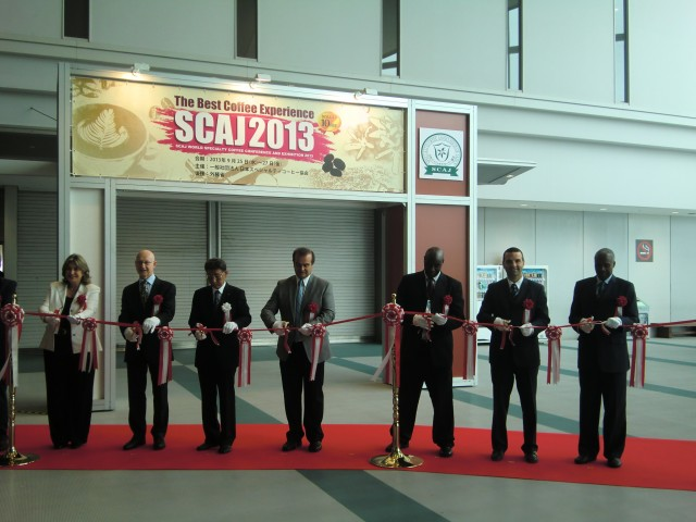 Second from the right, H.E. Jorge Kosmas Sifaki, Ambassador of Panama to Japan, at the Opening Ceremony of SCAJ 2013