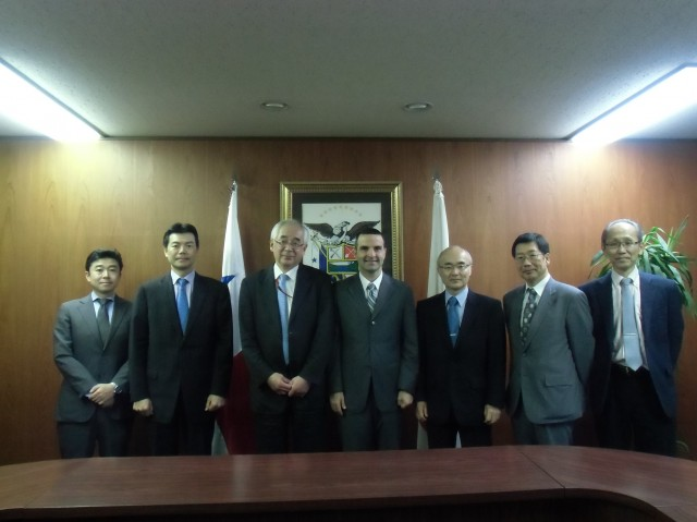 At the center, H.E. Jorge Kosmas Sifaki, Ambassador of Panama to Japan, together with the representatives of the Japanese Shipowners' Association (JSA).