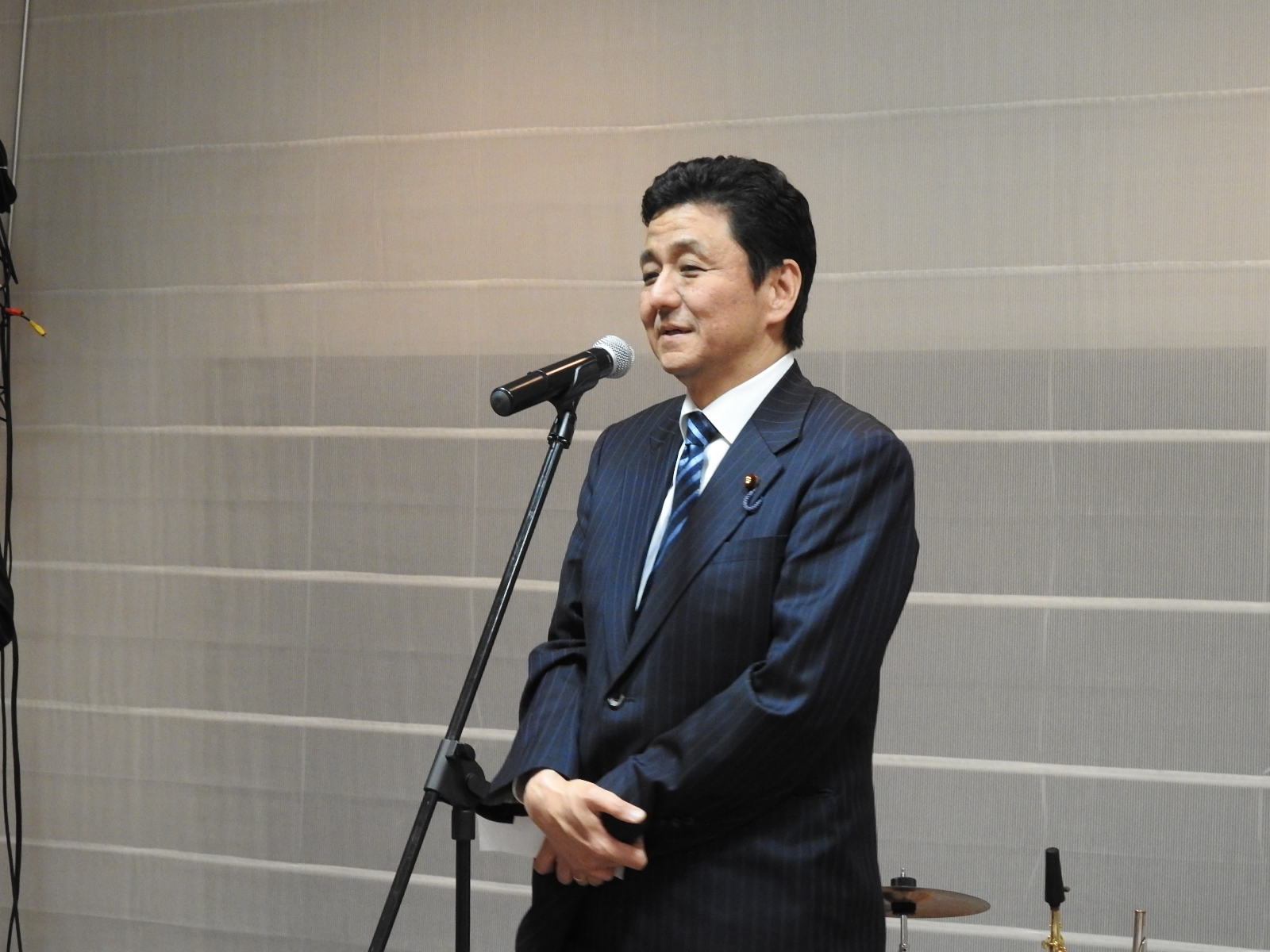Mr. Nobuo Kishi, Parliamentary Viceminister for Foreign Affairs, during his speech before the toast
