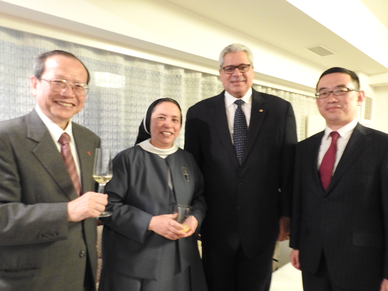 Participants of cocktail, from left to right, Chancellor of Sophia University, sister from St. Ignatius church, Ambassador of the Dominican Republic, Director of the Centro American and the Caribbean  of the Ministry of Foreign Affairs of Japan.