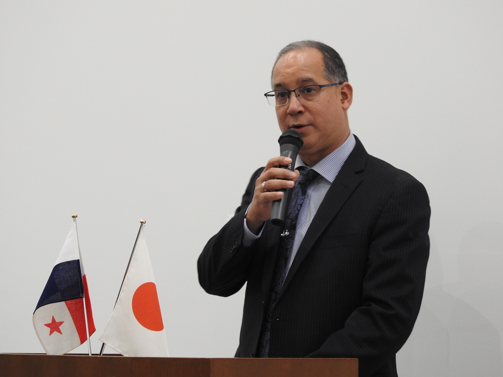 H.E. Ritter Diaz, the Ambassador of Panama to Japan