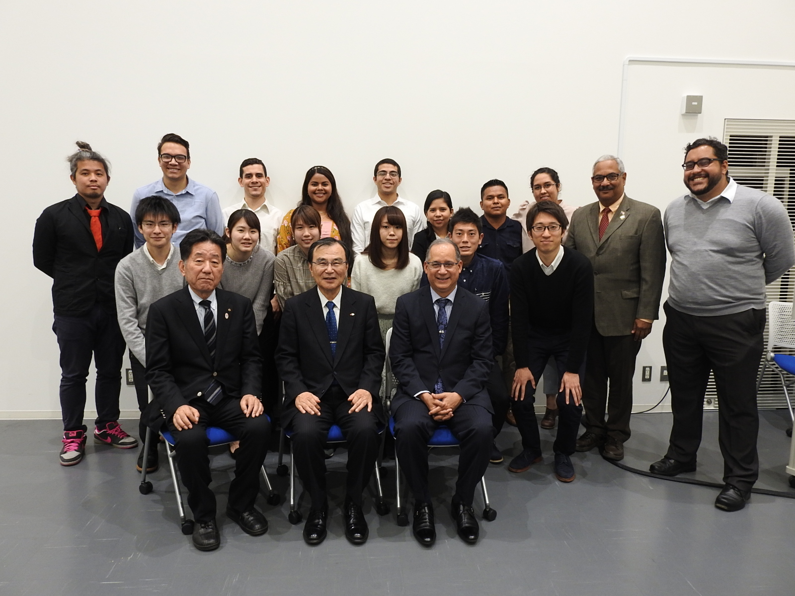 Ambassador Diaz, President Tokuhisa, Chairman Suzuki, together with professors and students of UP, UTP and Chiba University