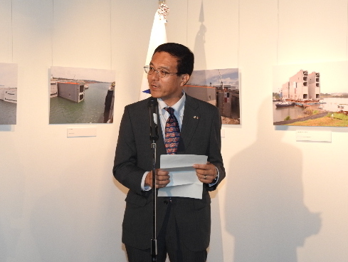H.E. Ichiro Hao, Director General of Maritime Bureau of the Ministry of Land, Infrastructure, Transport and Tourism, delivering a speech