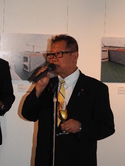 H.E. Tsuneo Akaeda, Member of House of  Representative, giving a toast