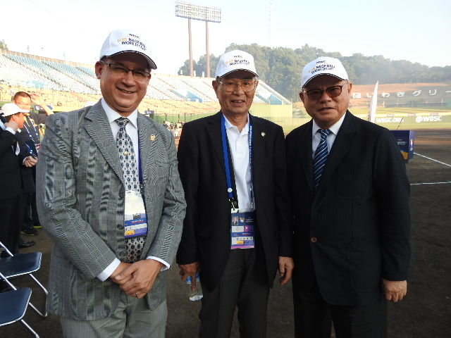 From left;H.E. Ritter Diaz, Ambassador of Panama to Japan, 