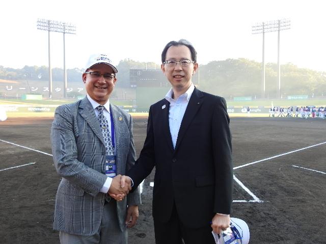 From left:Ambassador Diaz、Mr. Masao Uchibori, Gobernor of Fukushima