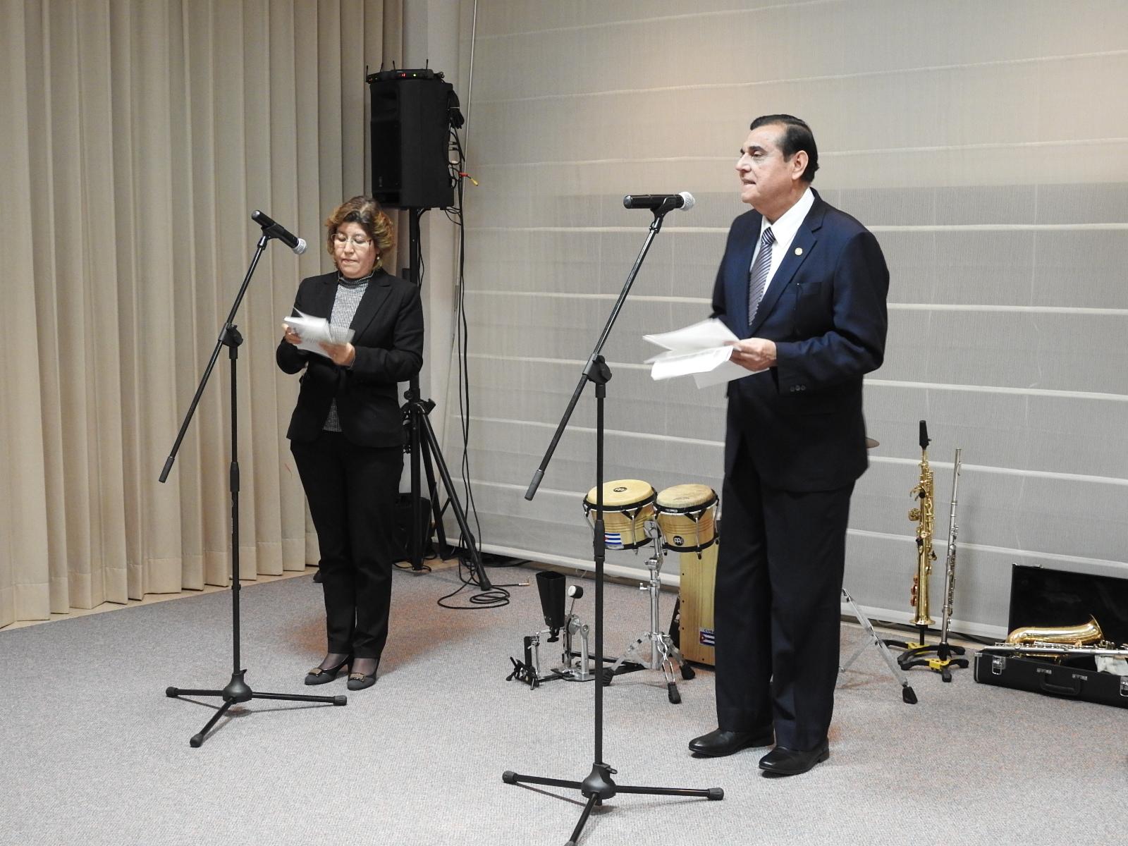 挨拶を述べるサウル・アラナ ニカラグア大使