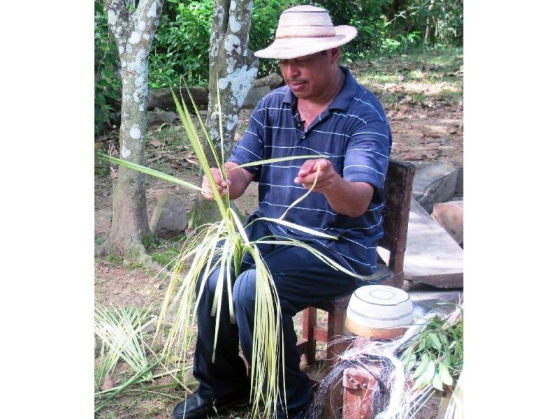 Artisan of Sombrero Pintao