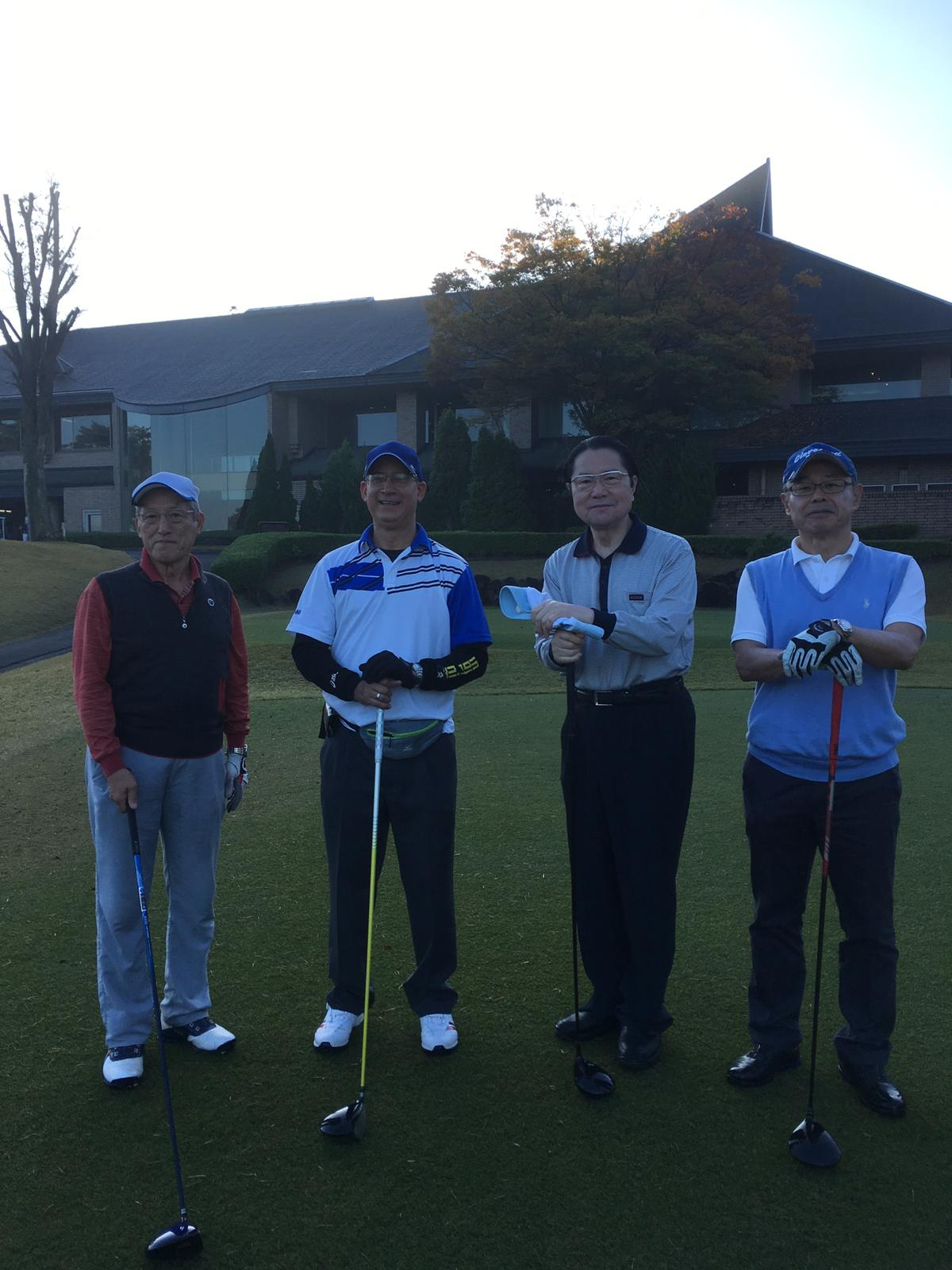 (左から)日本海事協会会長、パナマ大使、日パ友好議員連盟会長、商船三井会長兼日本船主協会会長
