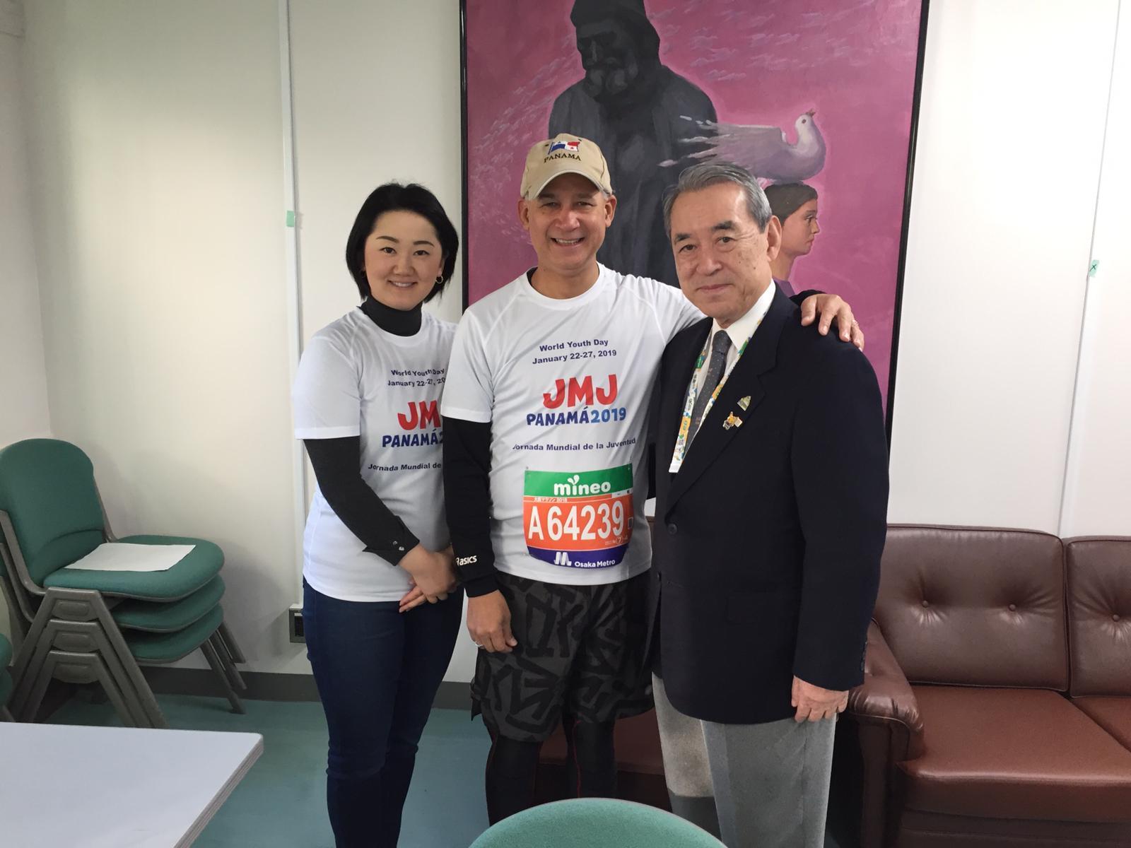 大阪マラソン事務局長とともに